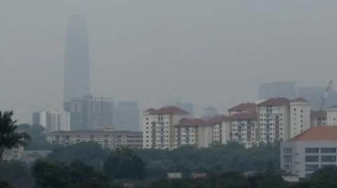 Atasi Kabut Asap, Malaysia Lakukan Penyemaian Awan