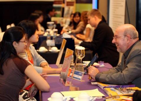 Inggris Perlonggar Aturan Visa Kerja untuk 'Mahasiswa Internasional'