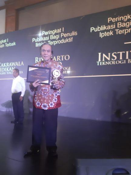 Jurnal Ilmiah UNY Raih Juara I SINTA Awards 2019