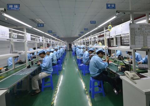 Apple Tambah Investasi Rp14 Triliun ke Pabrik di India
