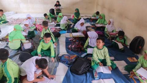 Pemkab Bekasi Segera Kirim Kursi untuk SDN Jatimulya 09