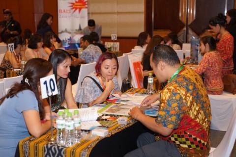 Warga Vietnam Buru Paket Wisata Indonesia