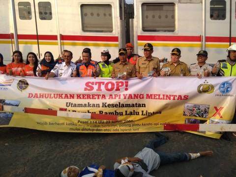 PT KAI Kampanye 'Dahulukan Kereta Api'