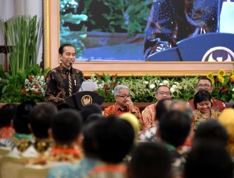 Jokowi 'Curhat' Sering Disebut Antek Asing