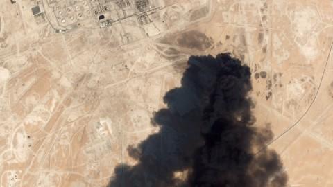 Loyalis Trump Sebut Serangan Kilang Saudi Sebagai Aksi Perang