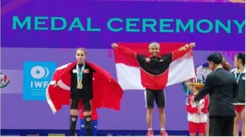 Lifter Lisa Setiawati Sumbang Emas Pertama di Kejuaraan Dunia