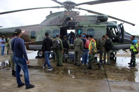 TNI Bantu Pencarian Pesawat Hilang di Timika