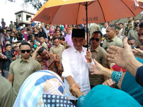 Jokowi, Syafii Maarif Discuss Cabinet Formation