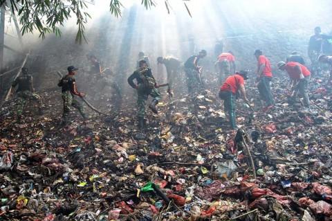DKI Siap Bantu Bersihkan Sampah di Kali Baru Bogor