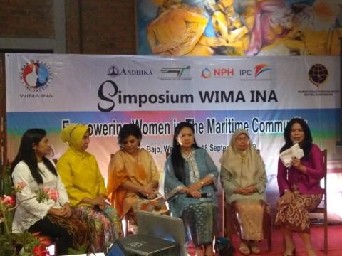 Perempuan Mulai Menguasai Pelabuhan Teluk Lamong