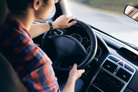 Penyebab <i>Ngantuk</i> saat Berkendara dan Cara Menyiasatinya