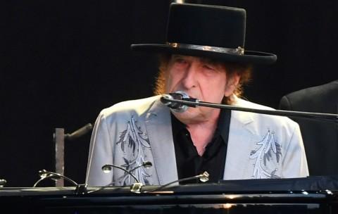 Bob Dylan Disebut Meninggal 11 Tahun Lalu oleh Aplikasi Milik Apple