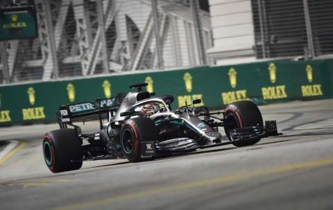 Sesi Latihan Bebas Hari Pertama jadi Milik Verstappen dan Hamilton