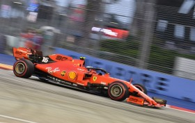 Lanjutkan Tren Positif, Leclerc Pole Position di GP Singapura