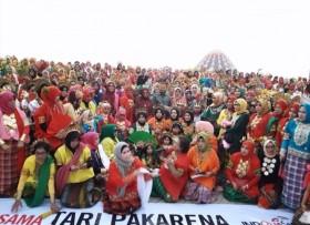 Flashmob Tari Pakarena Tampil Meriah di Makassar