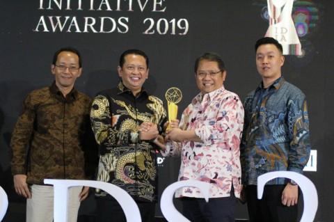 Ketua DPR Raih Penghargaan Inisiatif Digital Indonesia