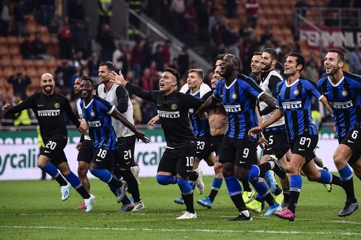 Inter Kalahkan AC Milan 2-0