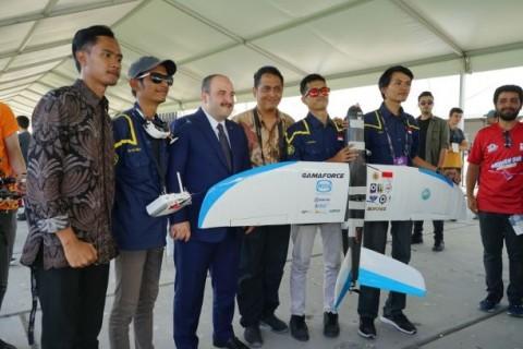 Robot Terbang UGM Sabet Juara 3 di Turki