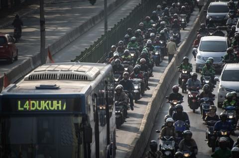 Dua Kamera Tilang Dipasang di Jalur Transjakarta