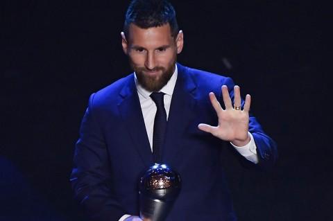 Messi Raih Penghargan Pemain Terbaik FIFA