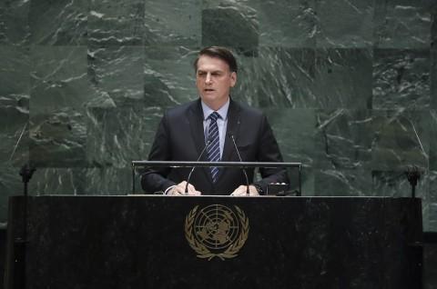 Bolsonaro Tuding Media Berbohong Soal Kerusakan Amazon