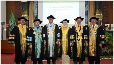 Universitas Andalas Kukuhkan Tiga Guru Besar MIPA