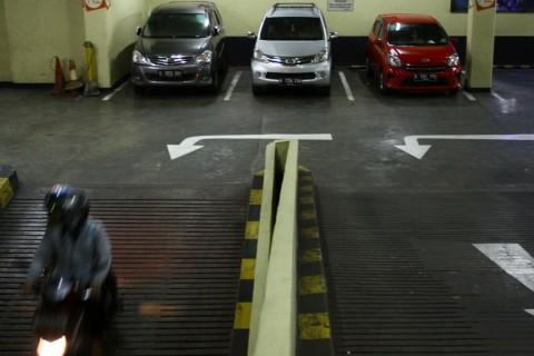 Gedung Parkir Tingkat Bakal Gusur Parkir Liar