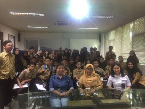 SLB Santi Rama Kunjungan Belajar ke Kantor Media Group