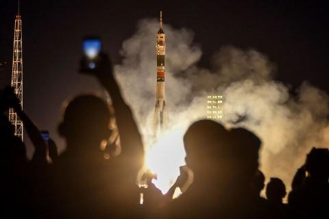 Roket Soyuz dengan Orang Arab Pertama ke ISS Diluncurkan