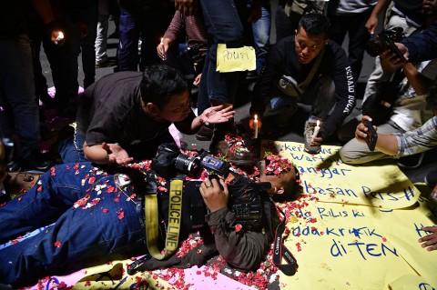 Aksi Teatrikal Kecam Kekerasan Terhadap Jurnalis
