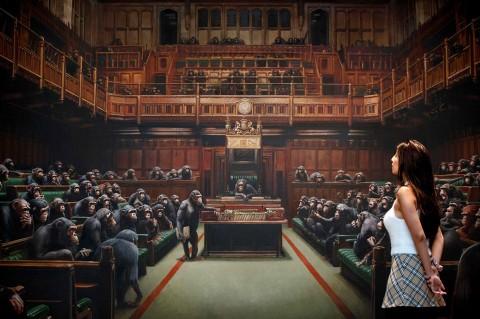 Lukisan Primata di Parlemen Inggris Diperkirakan Laku Rp35 M