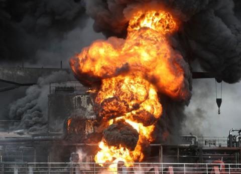 Kapal Tanker Minyak Korsel Meledak, 12 Pelaut Terluka