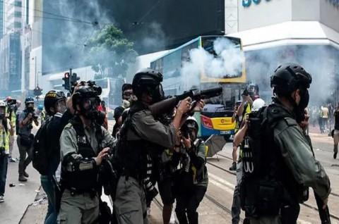 Jurnalis Indonesia Tertembak saat Liput Demo Hong Kong