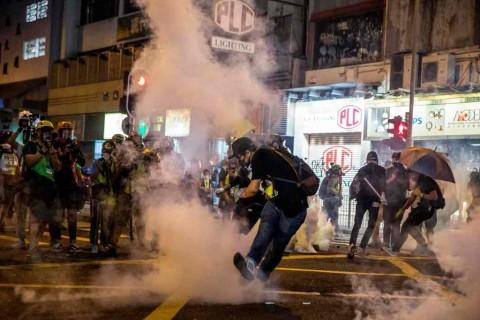 Bentrokan di Hong Kong Meningkat Jelang HUT Tiongkok
