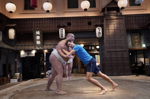 Sambut Japan Open, Novak Djokovic Jajal Sumo