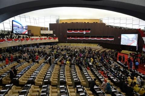 136 Senator Resmi Dilantik
