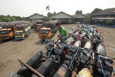 Kapasitas Truk Pengangkut Sepeda Motor Akan Dipangkas