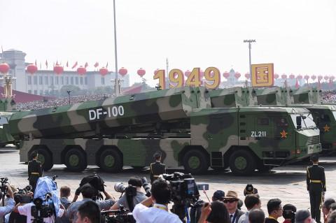 Peringatan HUT ke-70, Tiongkok Gelar Parade Militer