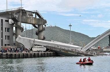 Jembatan di Taiwan Runtuh, 14 Orang Terluka