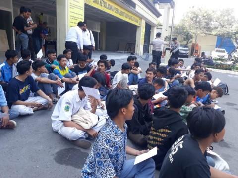 Siswa SD Ikut Rombongan Pedemo Ikut Ditangkap