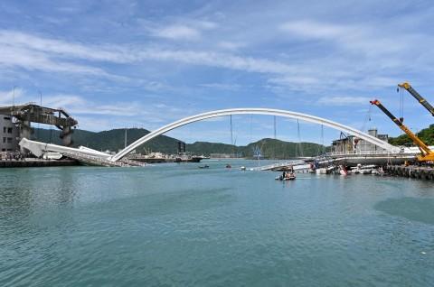 Otoritas Taiwan Temukan Dua Jenazah WNI di Puing Jembatan
