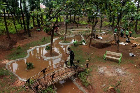 Anies Ingin Taman Jakarta Jadi Tempat Bermain