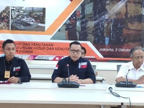 Warga Singapura Tersangka Impor Limbah Ilegal