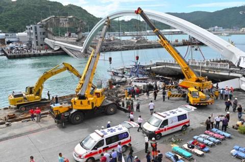 Penyelidik Periksa Masalah Struktur Jembatan Runtuh di Taiwan