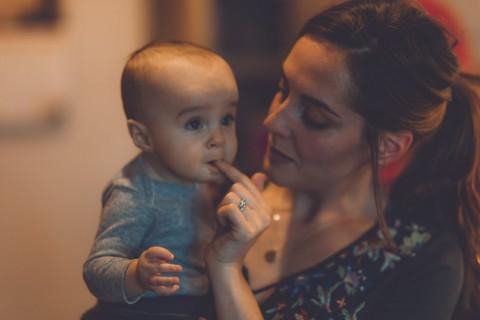 5 Trik Mengatasi Perut Bayi yang Kembung