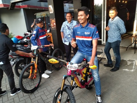 Yoris Sahara Wakili Indonesia di Enduro World Series 2019