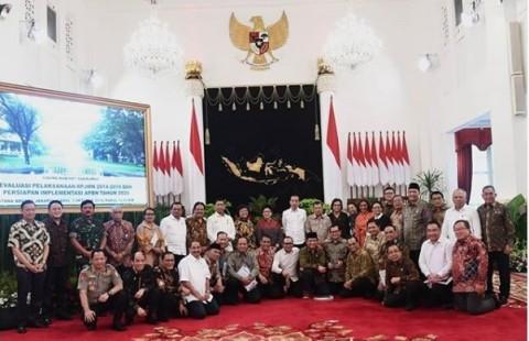 Sidang Kabinet Paripurna Terakhir Ditutup Foto Bersama