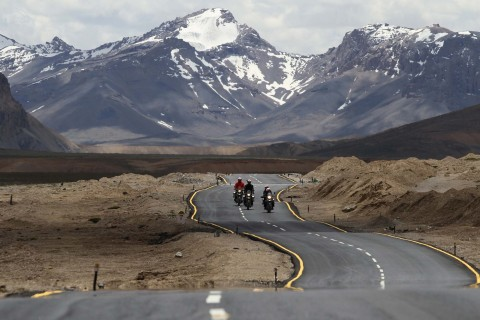 Kisah Bikers Indonesia yang Sukses Taklukan Jalur Tertinggi di Dunia