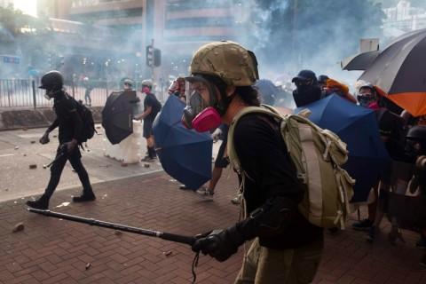 Hong Kong Pertimbangkan Larangan Penggunaan Masker saat Protes