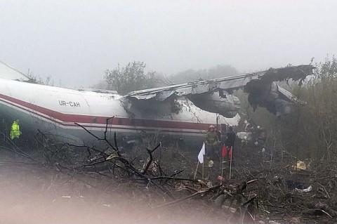 Pesawat Jatuh di Ukraina, Lima Orang Tewas